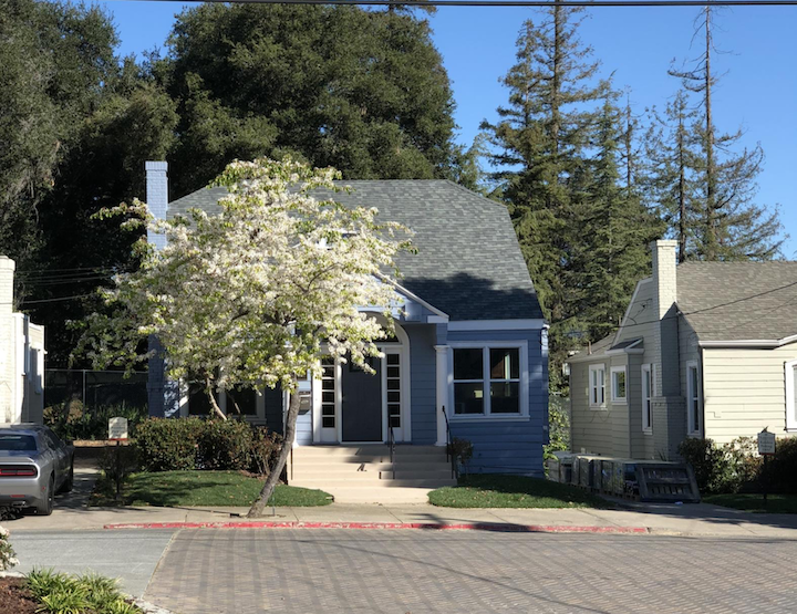 image of Pacifica Senior Living Oakland Heights